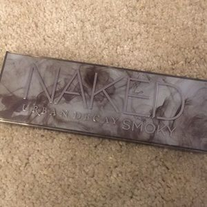 Urban Decay Makeup - UD Naked Smokey Palette